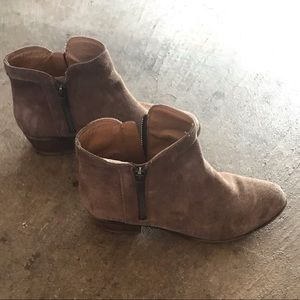 Lucky Brand grey suede ankle boots women's 7.5